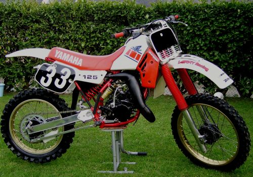 le moto cross vintage restauration yz 125 de 1984. Black Bedroom Furniture Sets. Home Design Ideas